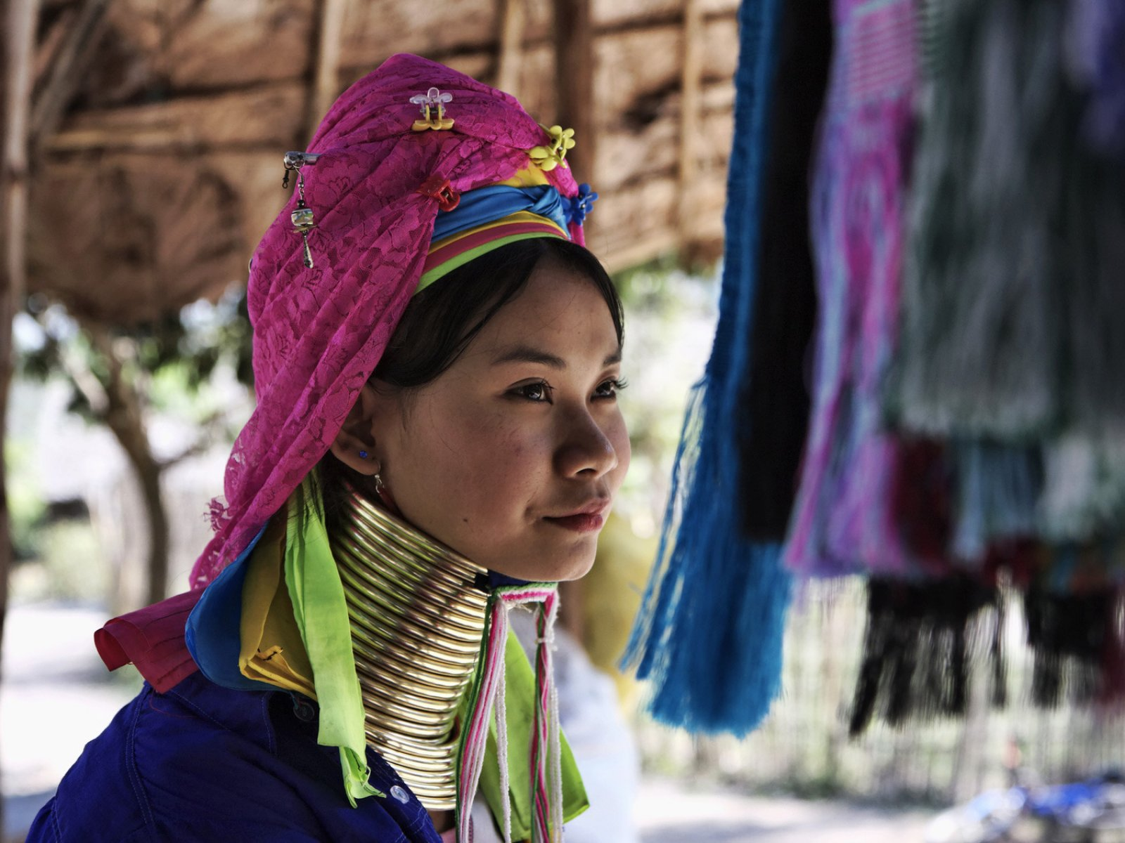 long neck in thailand A kayan long neck tribe girl ~ thailand the kayan lahw i also called the long necked hilltribe are a subgroup of the karen , a heterogeneous closely related tribes originally from eastern burma.