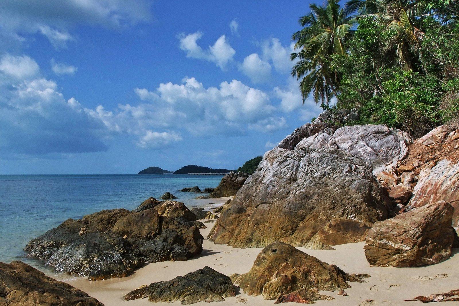 Дикий пляж в картинках